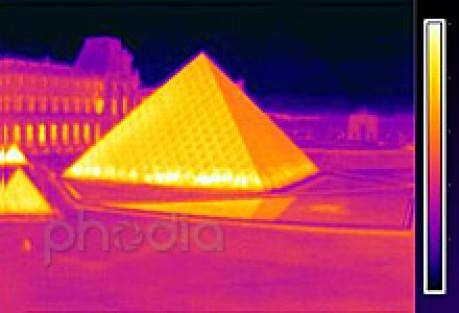 Thermographie aérienne du Louvre